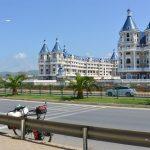 Charakterliches Touristen Resort entlang der Küste
